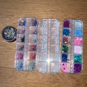 olika dekorationer till naglar! knappt använt. 55kr för alla+ frakt (skulle kanske kunna fixa billigare frakt)