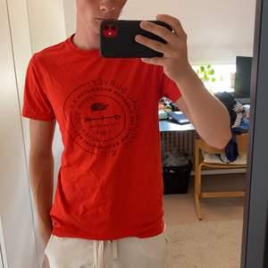 The North face t-shirt, storlek: S, använd 3-4 ggr