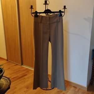 Vintage bootcut byxor i storlek XS men passar också som storlek S då det är lite stretchy.