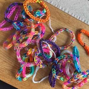 Massa olika gummi-armband säljes för 1kr/st plus frakt!