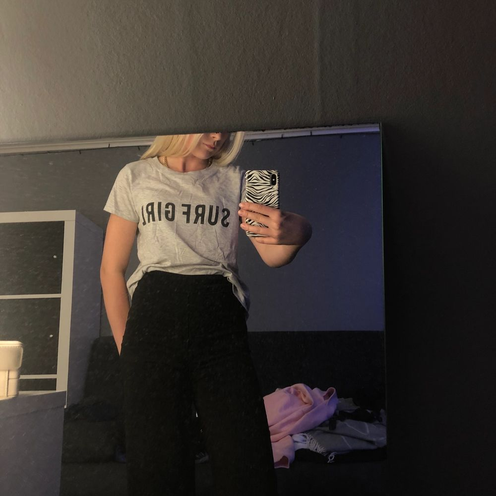En as skön t-shirt från Gina i storlek xs. Använd 5-7 gg. T-shirts.