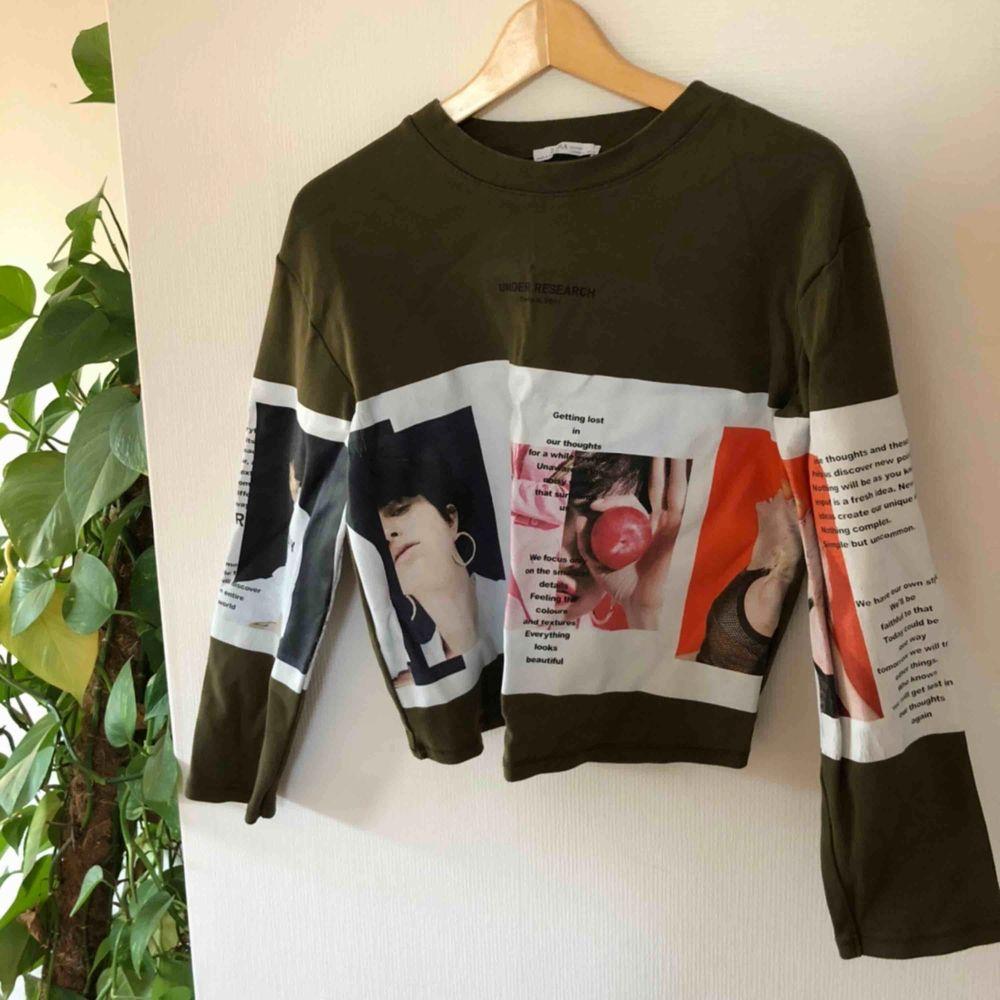 Superfin tröja med coola tryck, superfint till hösten🧡. Toppar.