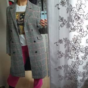 Säljer en knappast använd Stockholm Lm kappa, väldigt fint skick nypris ligger på 1200kr säljer då för 500kr  Kan skicka fler bilder om det behövs :)