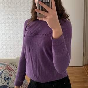 Lila sweatshirt från Bondelid, nästan aldrig använd. Köpare står för frakt💕💕💕💕