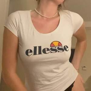 U ringad t shirt