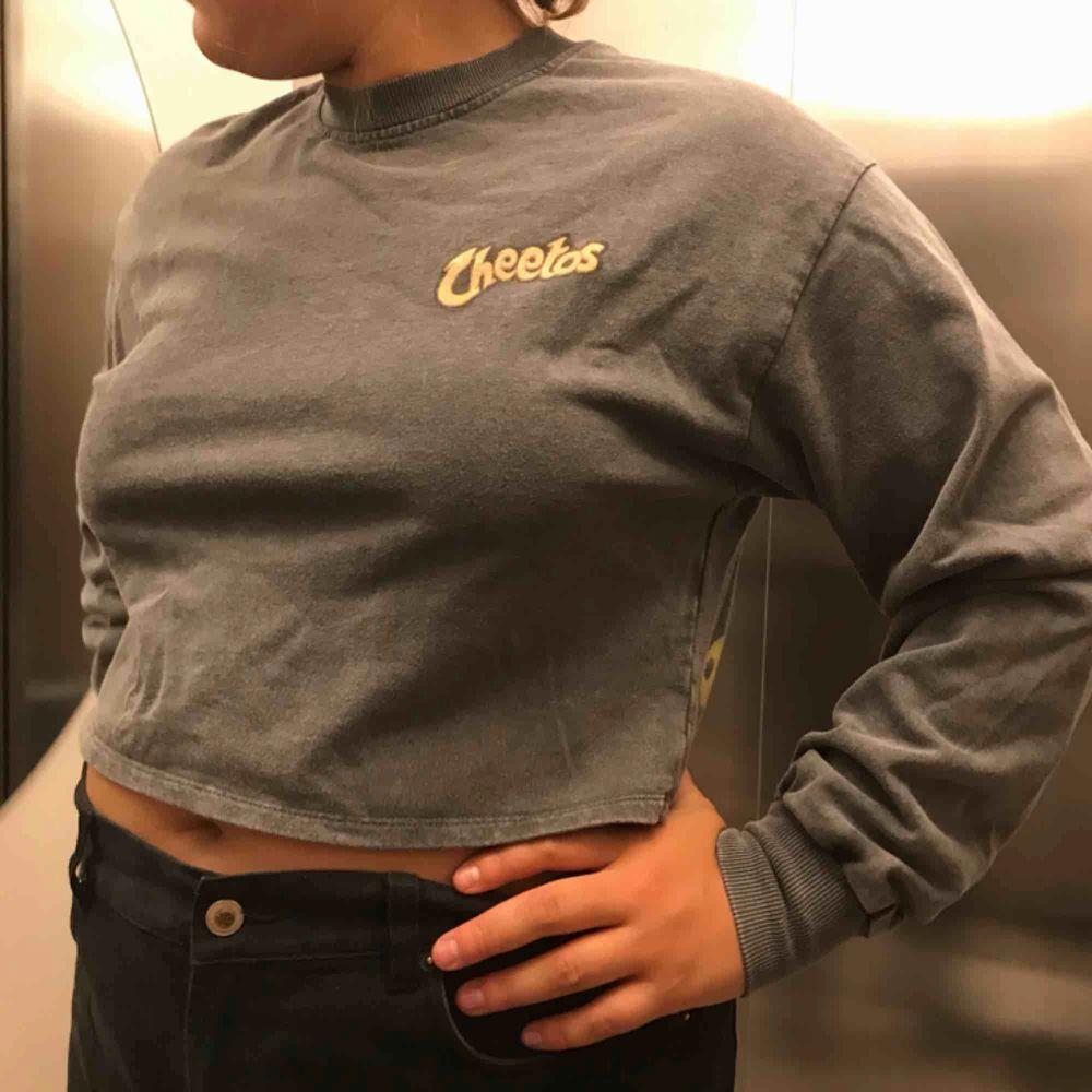 Cool tröja för 120kr inklusive frakt. Huvtröjor & Träningströjor.