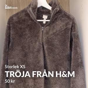 Supersnygg och skön tröja från h&m. Säljer då den inte kommer till användning för mig. Frakten blir 50kr 😊