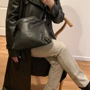 En väska i perfekt storlek  från Whyred