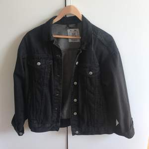 Black denim jacket from pull and bear size S
