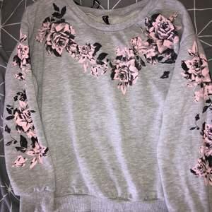 tröja från H&M i fint skick