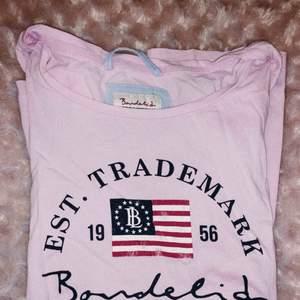 Nästan helt oanvänd Bondelid t-shirt! Frakt ingår!