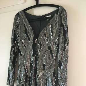 Superfin paljettklänning från drylake!! Mycket bra skick, perfekt till nyår Köparen står för frakt