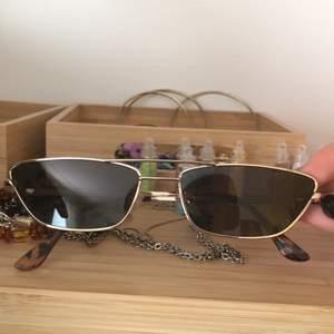 säljer dessa supercoola solglasögonen!