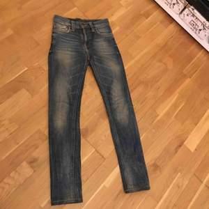 nudie jeans high kai   Str XS -s   Bjuder på frakt vis snabb köp  nypris 1300