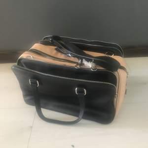 Zara väska beige svart mycket plats /A4/ strl.