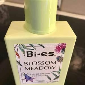 Helt ny blossom !!!  Luktar exakt som guccin