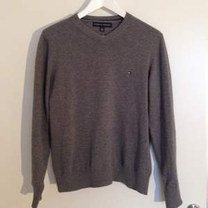 Perfect Christmas gift for him! TOMMY HILFIGER sweater 100% cotton in shape as new size XS