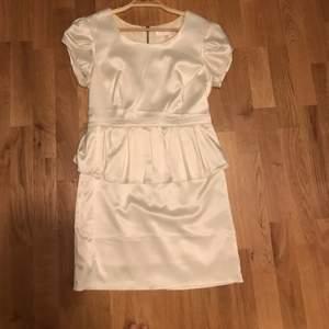 Bik Bok klänning