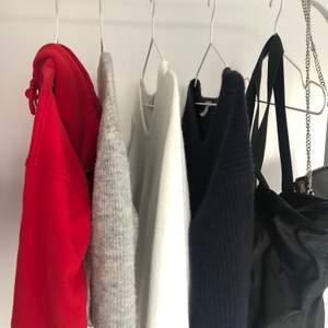 Säljer en jätte fin röd hoodie i braskick! Kommer från ett märke som heter urban classics men köpt på zalando för 350-400kr💞💞Hör av dig vid frågor eller intresse!!