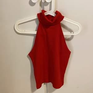 En fin jul tröja ( snygg röd färg) använd 1 gång, väldig bra material