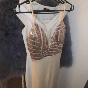 Snyggaste klänningen jag äger! Skitsnygg från dm