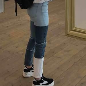 Feett nice byxor som ja köpte på BikBok för ett tag sen. Jag e 1,67 & dom sitter bra men ej min stil längre hehe:)