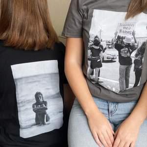 Säljer T-shirts och hoodies under mitt UFår💓 här har ni några exempel på hur de kan se ut, strl.s-4xl men finns även barnstorlekar! För att se mer kan ni gå in på @xhood_uf på insta🥰