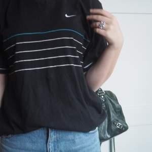 Nike t-shirt. Använt några gånger.