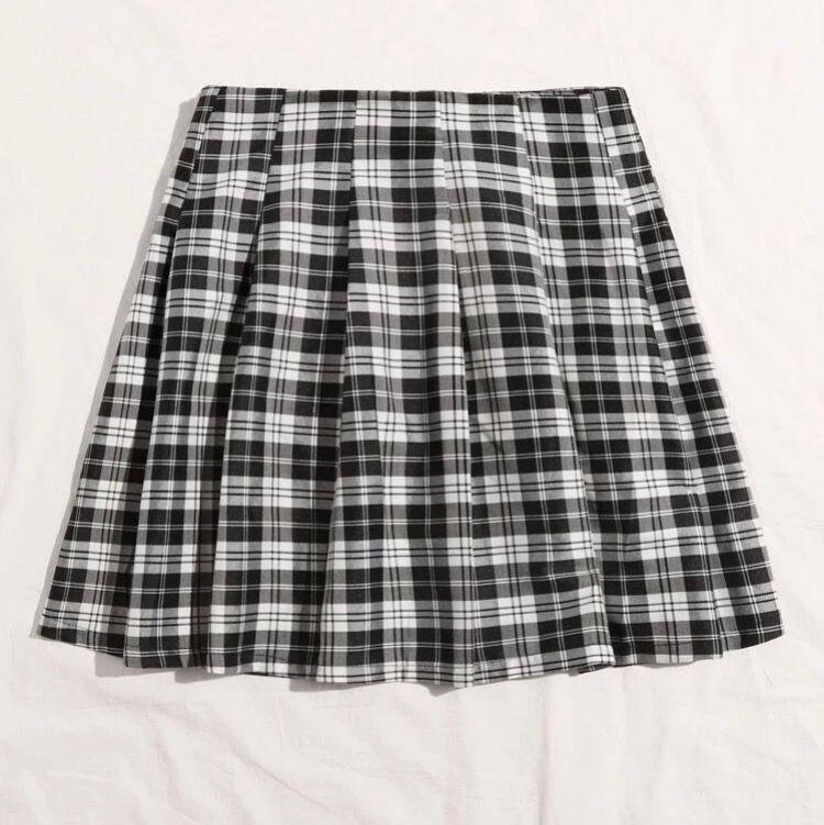 Så fin rutig kjol från shein, aldrig använd pga lite för stor för mig som har xs . Kjolar.