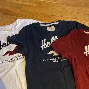 3st T-shirts från hollister i storlek S. Dom kommer tyvärr aldrig till användning och har används inte alls många gånger. Köparen får alla 3 för 50kr + frakt💞💞