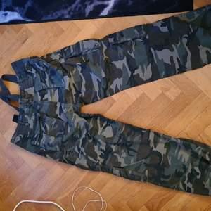 Byxor militär storlek 3 xl