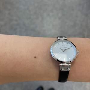 Säljer en helt ny klocka från Mockberg, prislapp finns kvar. Kostar 750kr + frakt. Hör av dig vid frågor!✨