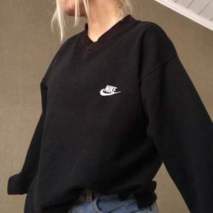 Vringad nike sweatshirt, kommer inte till användning, 400kr eller kom med ett bra bud:)