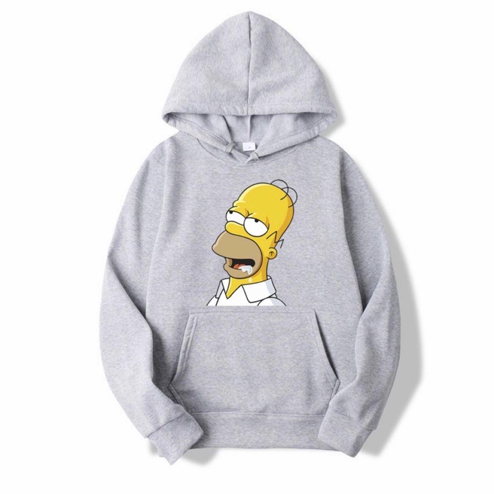 En mysig grå hoodie i storlek 4XL med Simpsons tryck på framsidan. Helt oanvänd och säljer pga att storleken var som en XL. Säljer för 190kr + frakt. Perfekt till en Simpsons älskare🥰🥰. Huvtröjor & Träningströjor.