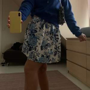 Så söt kjol också köpt förra året från prettylittlethings! Använd Max 2 gånger