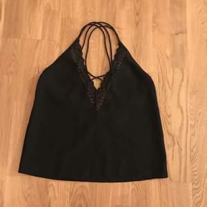 Fint tröja! Köpt från bubbleroom, har använt 2 gånger.  Jag kan mötas i Stockholm eller posta 😊