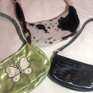 Tre jättefina väskor som tyvärr inte kommer till användning längre. 90/st (❗️Den svarta är såld!)❗️