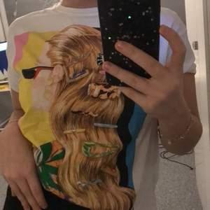 skit cool t-shirt från Zara, str M men funkar som S också!! Aldrig använd, då den bara inte kommit till användning