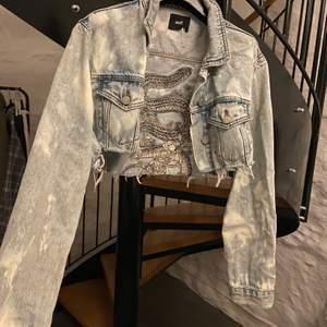Jeans jacka köpt på wasteland i LA för 50$