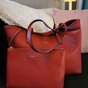 Ny Guess Väska Nypris ca 1500 kr