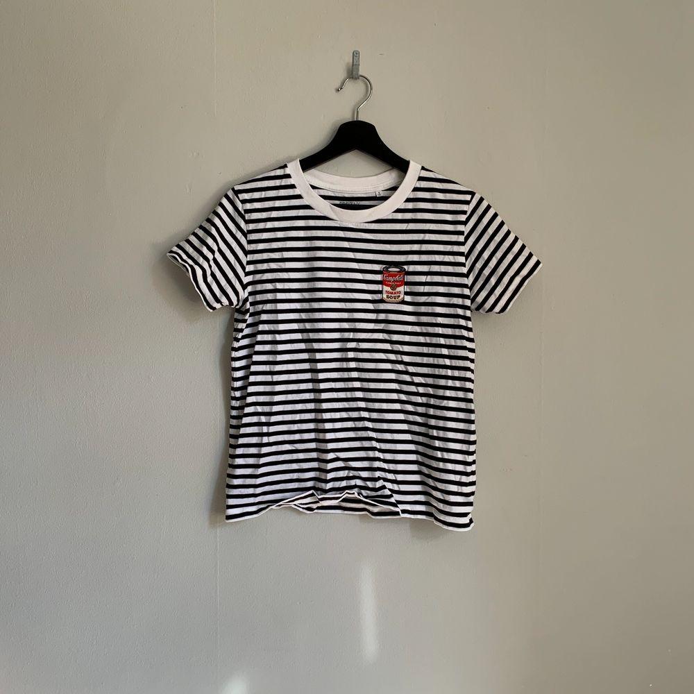 Så snygga t-shirtar från Levi's, Primark etc. 100kr/st. T-shirts.