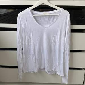Vit tröja från american vintage, storlek XS! Använd fåtal gånger☺️