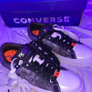 Yo want to sell by Sadboys x converse One Wish because where to big tryed them inside like 10 seconds and they were to big. Size: Us 8,5 Eu 42. Price: 55$. Condition: 10/10. Skriv DM om ni e intresserad⚔️🛡.
