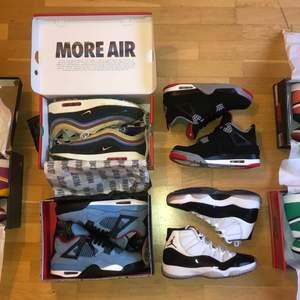 WTS !  Jordan 4 Travis Scott  Size - us9.5 / 43, og box & kvitto  Cond - 8/10 (no flaws)  Bid - 5999kr Bin - 6499kr  —————————————  AirMax 97 Sean Wotherspoon  Size - us12 / 46, og all (extra laces & patchen) & kvitto  Cond - 8.5/10 (no flaws)  Bid - 7499kr Bin - 7999kr  —————————————  Jordan 1 Satin SBB  Size - w5.5 / 36, og box & kvitto  Cond 8.5/10 (minor flaw)  Bid - 2999kr Bin - 3499kr  —————————————   Jordan 1 Lucky Green  Size - w10.5 / (men us9), og box & kvitto  Cond - DSWT  Bid - 2399kr Bin - 2799kr  —————————————  Jordan 4 Bred   Size - 9.5 / 43, no box  Cond - 9.5/10, no flaws  Bin - 2500kr  —————————————  Jordan 11 Concord   Size - 9.5 / 43, no box  Cond - 9/10, no flaws  Bin - 1999kr   —————————————  Jordan 1 Mid Dia De Muerto  Size - 9.5 / 43   Cond - DSWT  Bin - 1599kr  —————————————  Vid köp av bin står jag för frakten, mer bilder fås på begäran i pm. Skriv endast om du är intresserad så vi inte slösar våran tid. Löser ett BILLIGARE pris vid köp av fler än 1 sko. HMU!