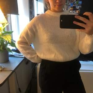 stickad tröja från HM i strl S. 70kr inkl frakt