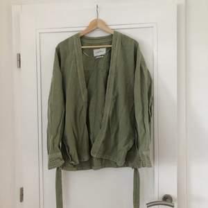 Snygg blazer i jeanstyg från Zara 🥰 eventuell frakt står köparen för 🌼