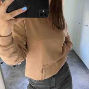 Knappt använd hoodie från Cubus