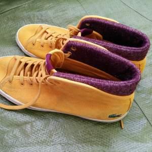 Lacoste Sport.  Size 39. Minimalt använda och väldigt sköna att ha på sig.