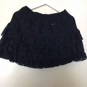 Kjol från Abercrombie&Fitch! Mörkblå