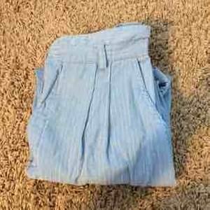 Blåa byxor köpt på second hand, köparen står för frakt!